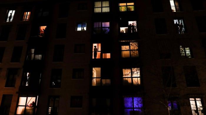 La cuarentena en modo celebratorio: La clase media se queda en casa